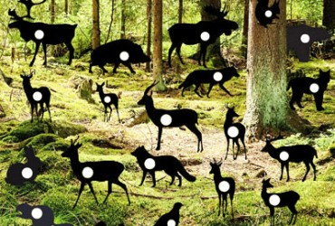 Wald mit vielen Tieren: