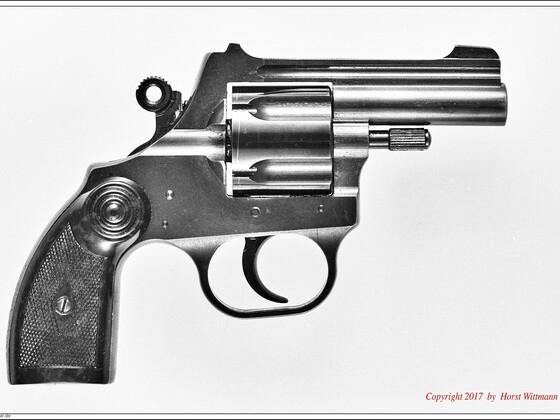 Korth Schreckschussrevolver  9mm R.K.   rechte Seite
