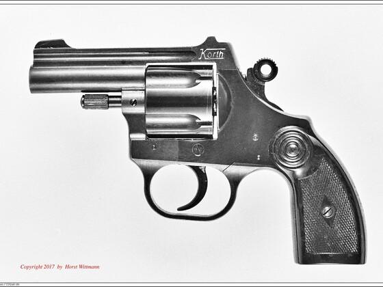 Korth Schreckschuss-Revolver 9mm R.K.  linke Seite