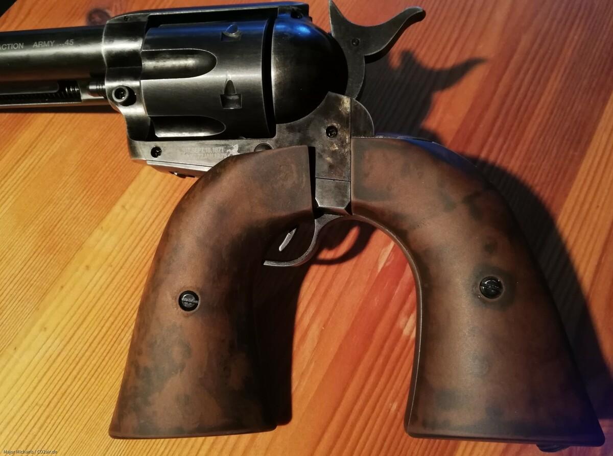 """Bearbeitete Original Griffschalen vom 5,5"""" Antik Pellet Colt"""