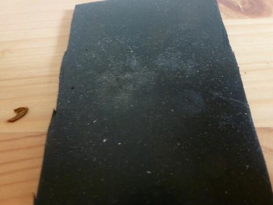 Dämmung aus Hartgummiplatten 4 2. Schicht 12mm
