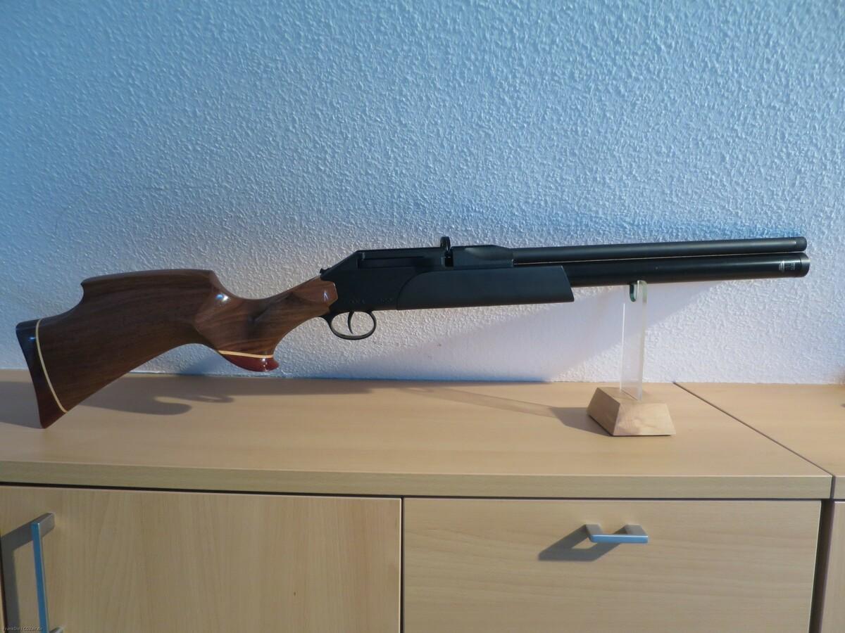 P1000 mit schwarzem Vorderschaft