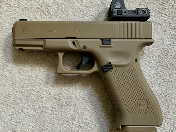 Glock 19X mit UTG greendot