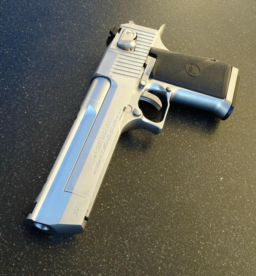 Cybergun Desert Eaggle 6mm GBB SILBER mit echten Griffschalen