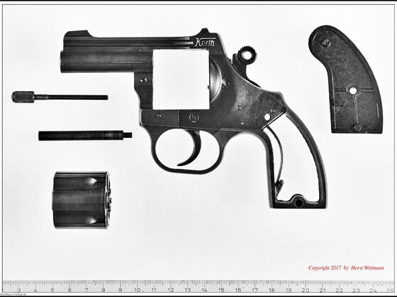 Korth Schreckschussrevolver 9mm R.K.  zerlegt