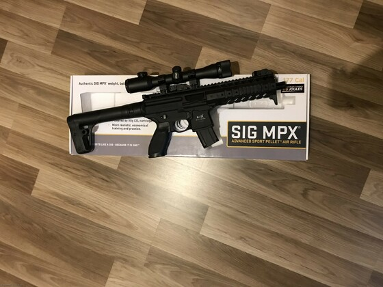 Sig MPX mit Walther 4x32 Military Pro