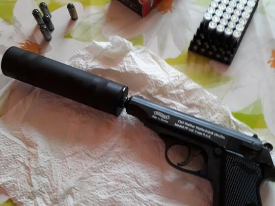 Walther PP mit Schalldämpfer