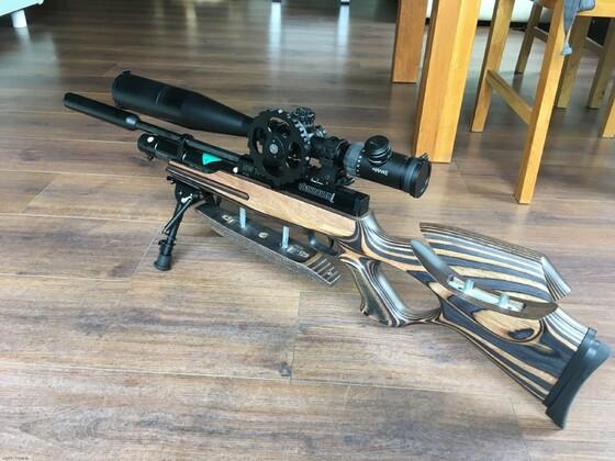 HW 100 Cabine mit Schichtholzschaft und Hawke Airmax