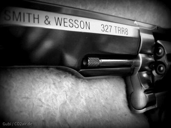 Smith & Wesson 327 TRR 8 CO2 Revolver