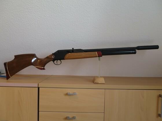 P1000 mit Vorderschaft Holz