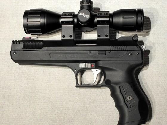HW 40 mit Walther Zielfernrohr 4 x 32 Mini DC