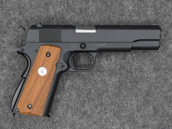 Klassische 1911 von WE mit Original Colt Griffschalen